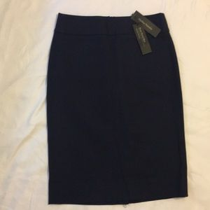Banana Republic navy blue skirt